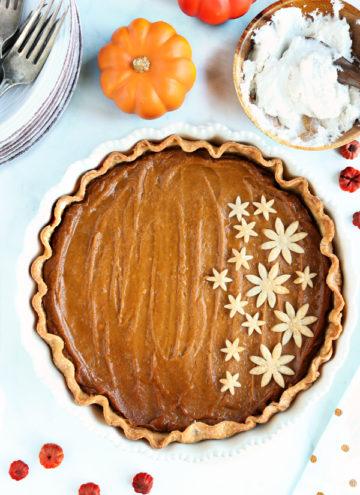 Deliciously easy to make, vegan pumpkin pie