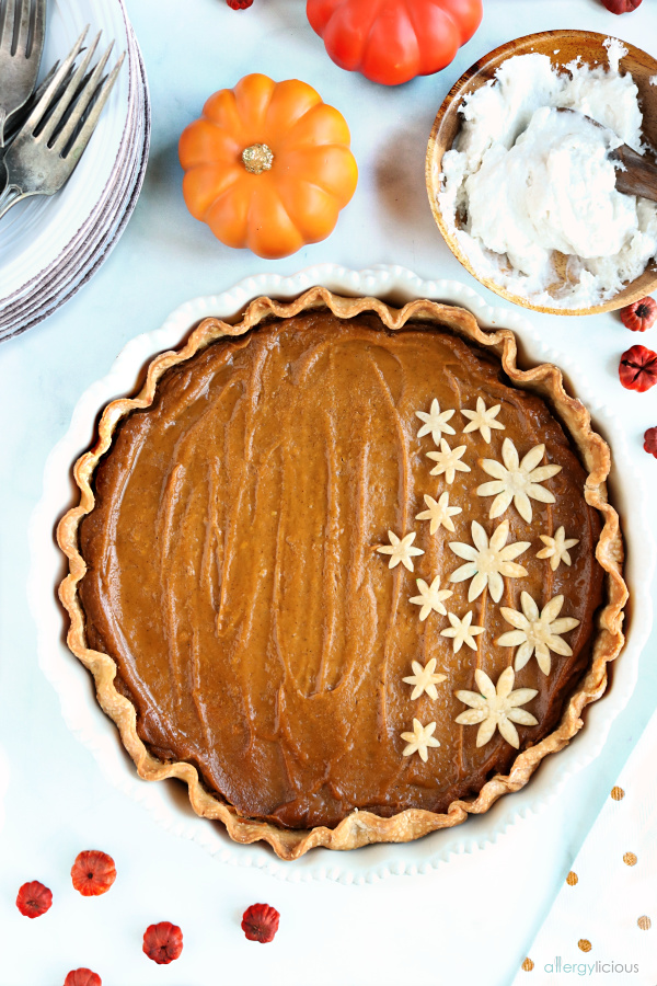 Deliciously easy to make, vegan pumpkin pie