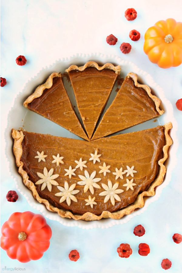 slices of vegan pumpkin pie
