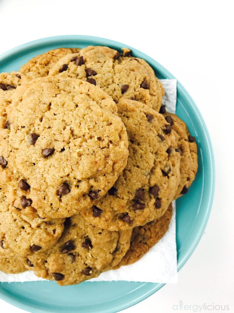 Allergy friendly & vegan chocolate chip cookies