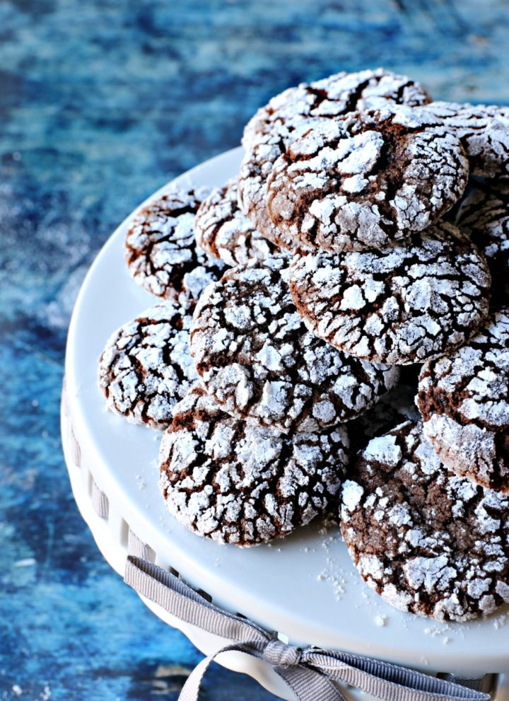 Chocolate Mint Crinkle Cookies