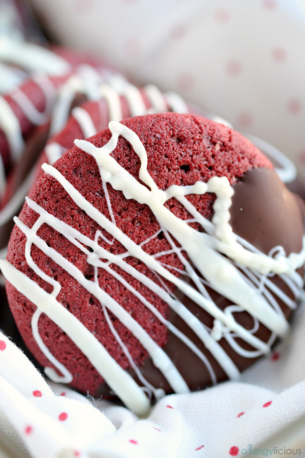 lovely red velvet cookie