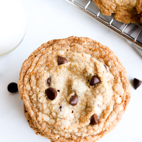 The Best Crispy Vegan Chocolate Chip Cookies