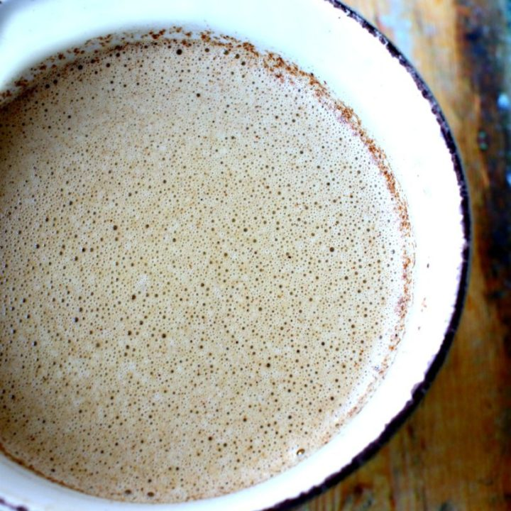 Make your own creamy, butter coffee, full of healthy fats with easy-to-use Omega Power Creamer.