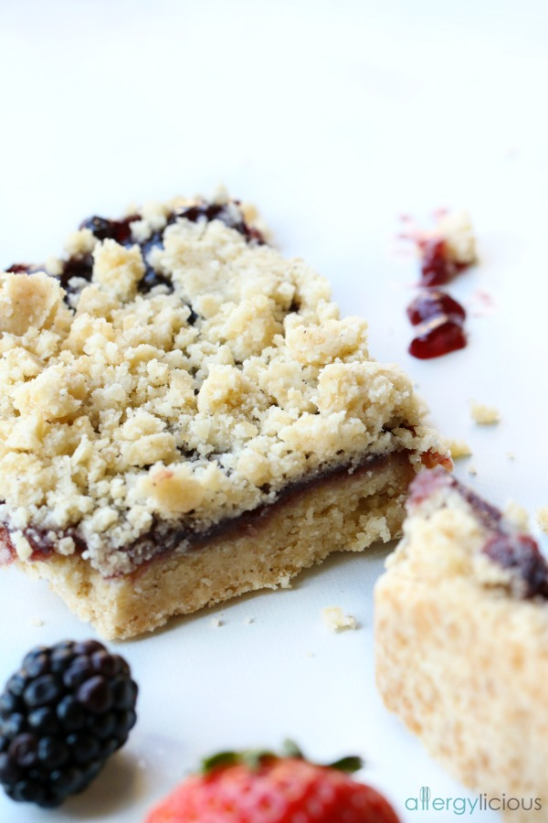 single raspberry shortbread bar