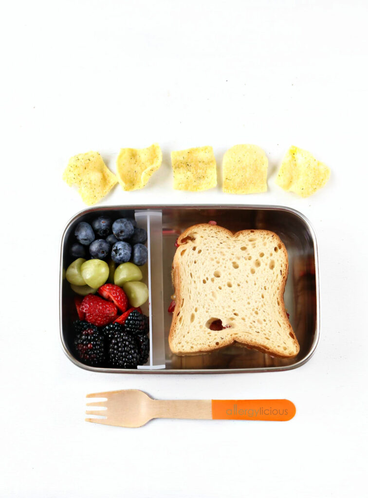 fruit and sunbutter lunchbox