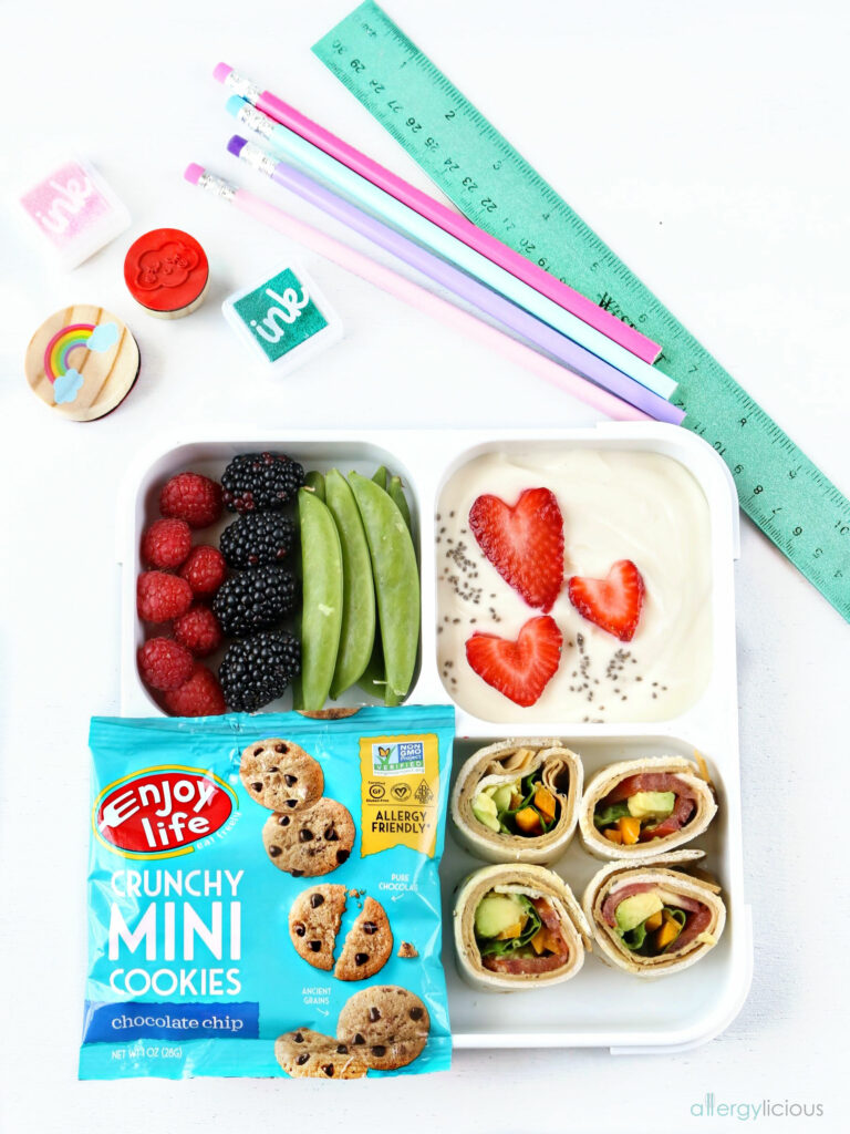 yogurt lunchbox with supplies