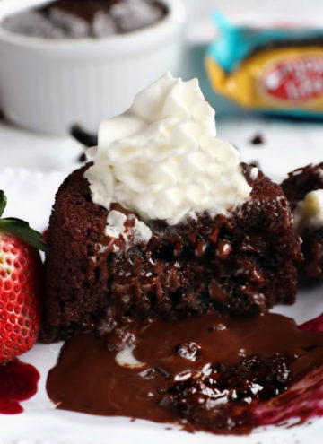 chocolate lava cake with molten fudge center