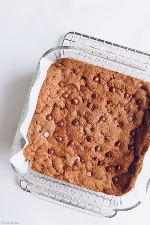 baked nut-free vegan blondies