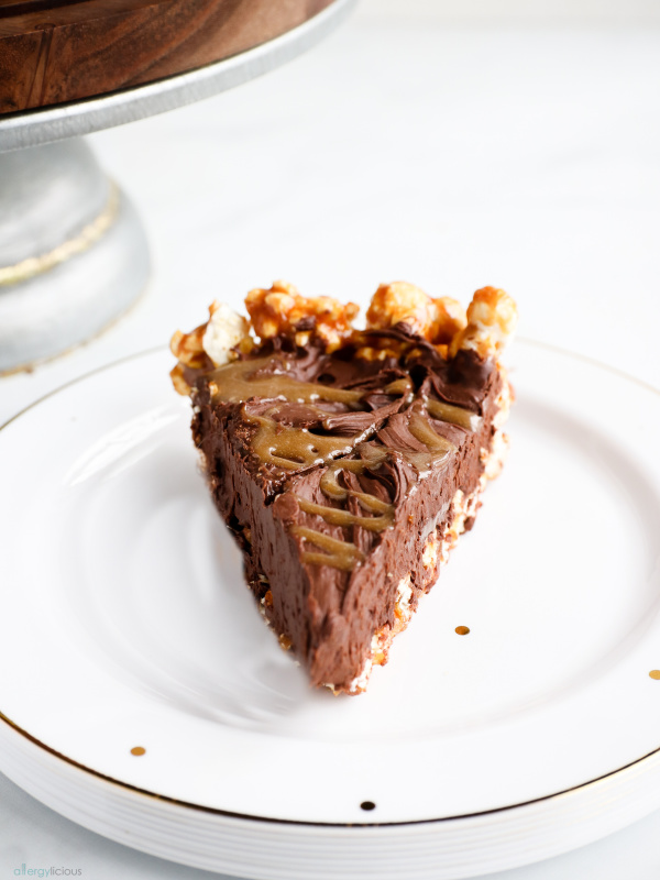 gluten-free vegan chocolate popcorn pie