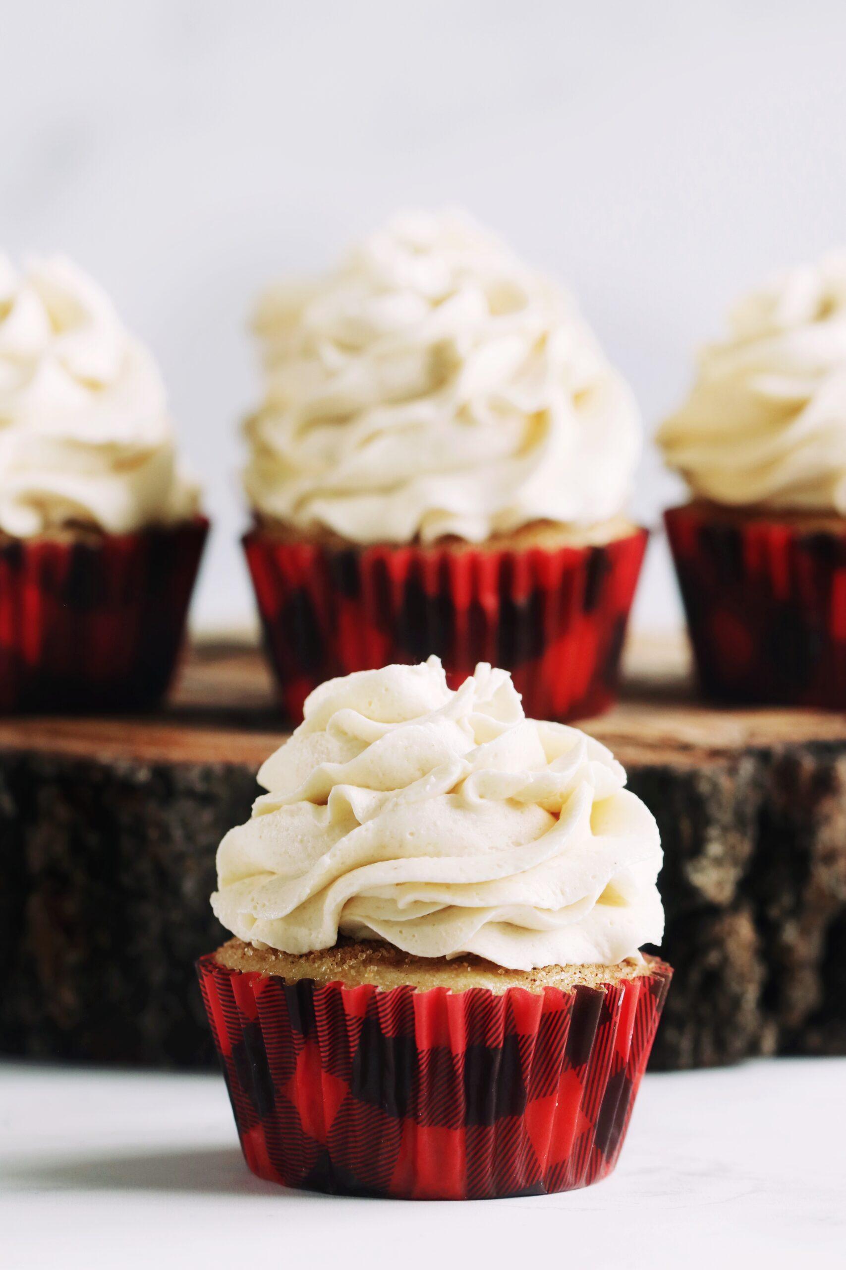 Vegan Coffee Cake Cupcakes {with Brown Sugar Cinnamon Frosting}