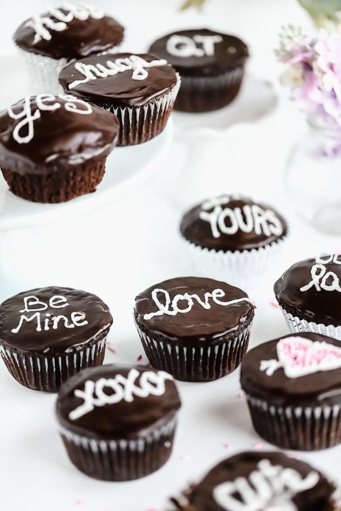 Vegan Hostess Cupcakes
