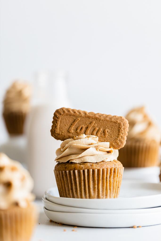 pumpkin biscoff cupcakes